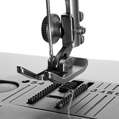 O desenvolvemento da marca insuperable da industria da máquina de coser